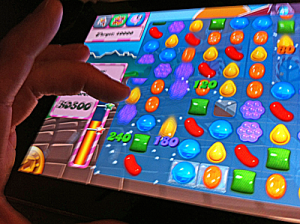 Screen with coloured sweets on a grid